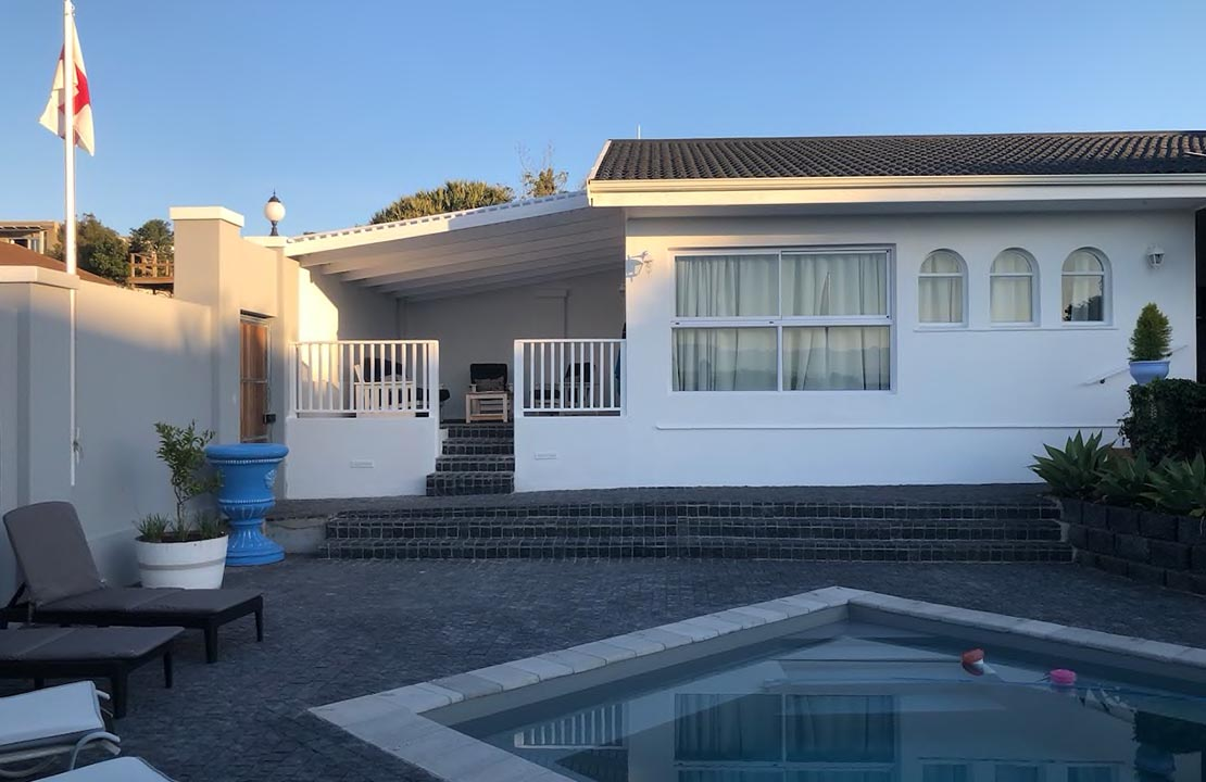 Sea View Cottage - The Joneses Plett